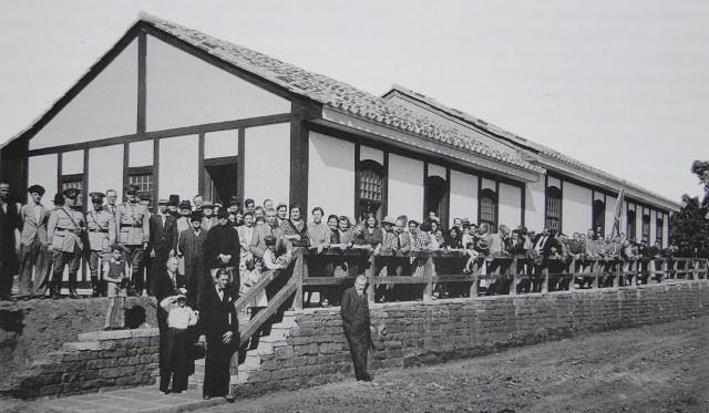 No Brasil Império, alemães recém chegados ao Rio Grande do Sul são acolhidos na Casa do Imigrante em São Leopoldo. (foto: imigrantesdobrasil.com)