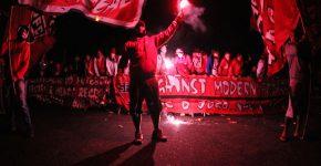 Torcedores do São Paulo protestam contra o futebol moderno. Foto: Fábio Soares/futeboldecampo.net.