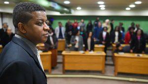 Marcelo Carvalho irá apresentar o relatório sobre discrminação nesta segunda-feira, na sede do Vasco ( Foto: Leonardo Contursi/CMPA)