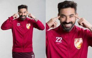 Divulgação Jogador argentino, Lavezzi imitou chinês em foto e foi acusado de racismo