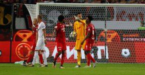Guilherme em ação pelo Lokomotiv no clássico contra o Spartak: goleiro não quis se manifestar sobre ofensas racistas (Foto: Divulgação Lokomotiv)