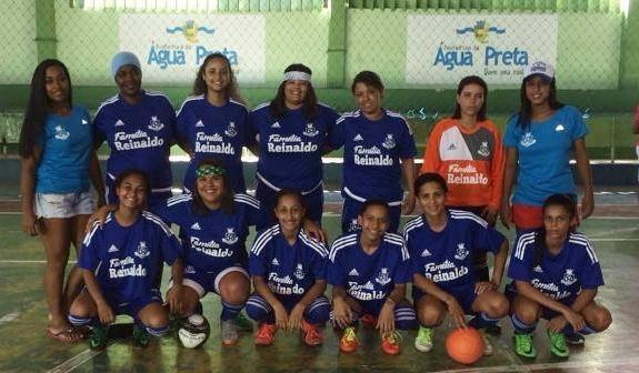 da4d26fa5a87c As jogadoras participando do campeonato em Água Preta-PE (Foto  Cortesia ao  AlaNorte Notícias)